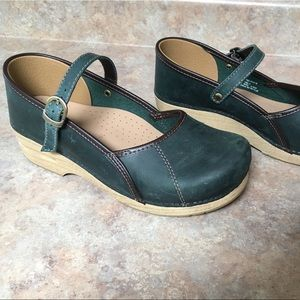 Dansko leather Mary Janes